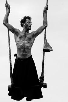 Nagual - Adriano Cangemi -5,5- trape rodillas pajaro